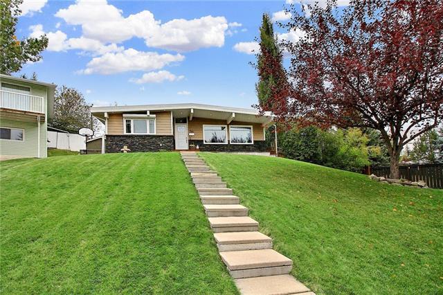 744 Sierra Crescent SW, Calgary, AB T2W 0P1 (#C4208181) :: Redline Real Estate Group Inc