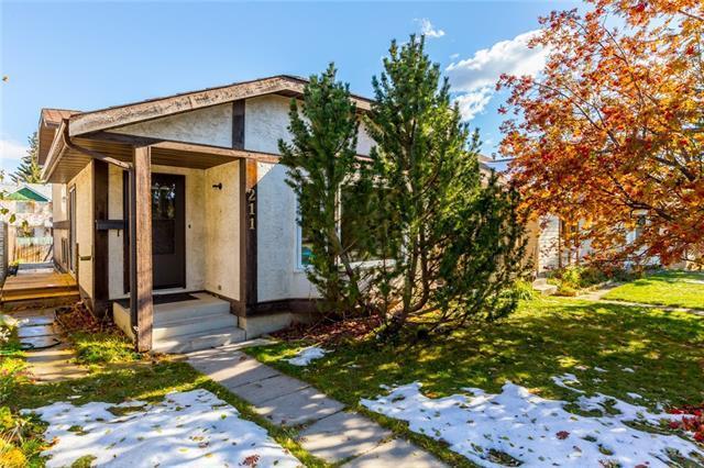 211 Millcrest Way SW, Calgary, AB T2Y 2K3 (#C4208459) :: Calgary Homefinders