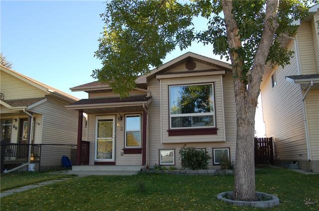 68 Erin Green Way SE, Calgary, AB T2B 3C7 (#C4208497) :: Calgary Homefinders