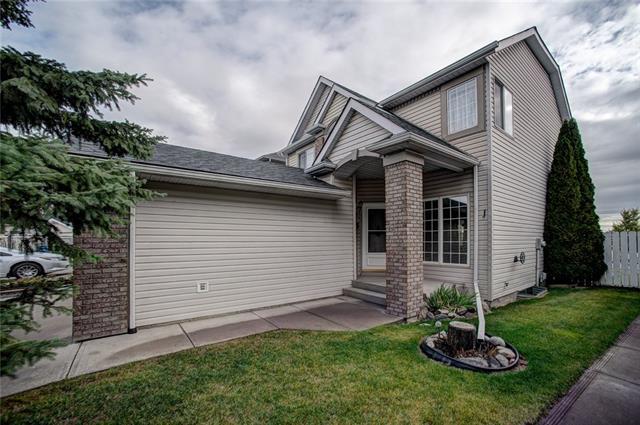 14 Anaheim Green NE, Calgary, AB T1Y 7A6 (#C4208578) :: Calgary Homefinders