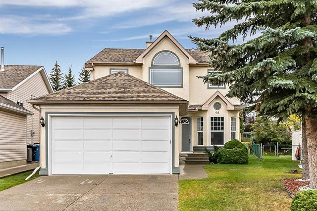 98 Somerset Close SW, Calgary, AB T2Y 3C4 (#C4208676) :: Canmore & Banff