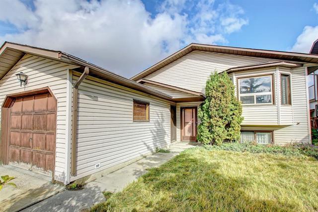 156 Ventura Way NE, Calgary, AB T2E 8H3 (#C4208975) :: Your Calgary Real Estate