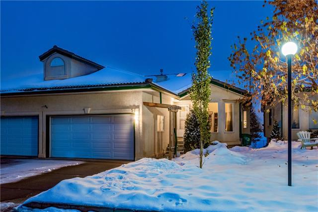 57 Strathearn Gardens SW, Calgary, AB T3H 2R1 (#C4209297) :: Calgary Homefinders