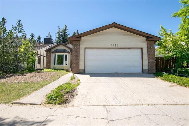 5415 Strathcona Hill(S) SW, Calgary, AB T3H 1M4 (#C4209503) :: Calgary Homefinders