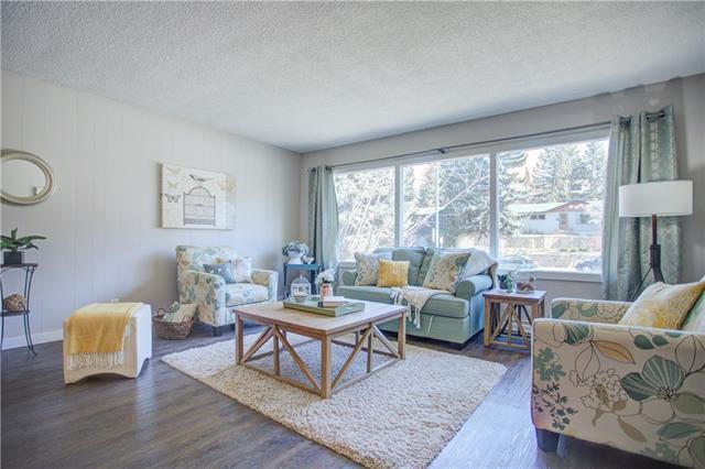 85 Cambrian Drive NW, Calgary, AB T2K 1P5 (#C4209694) :: Your Calgary Real Estate