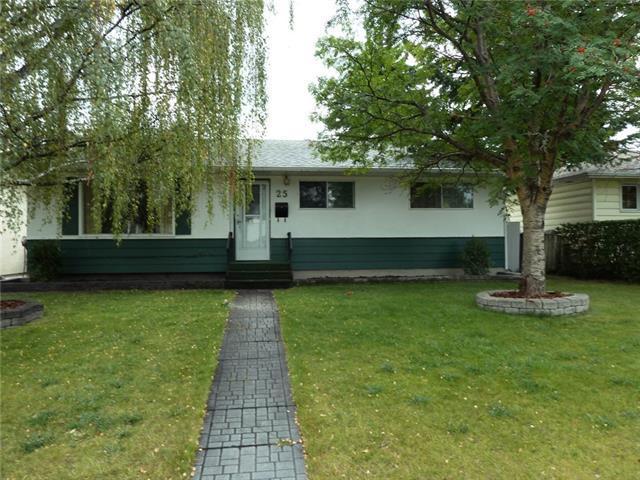 25 Atlanta Crescent SE, Calgary, AB T2J 0X9 (#C4209760) :: Your Calgary Real Estate