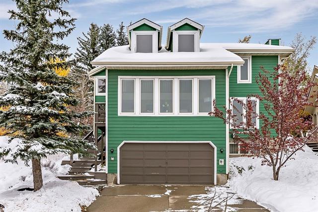 119 Stratton Crescent SW, Calgary, AB T3H 1T7 (#C4209833) :: Calgary Homefinders