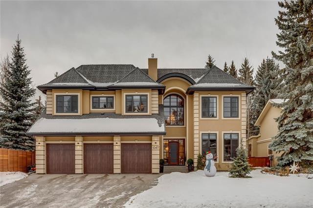 1307 Baldwin Crescent SW, Calgary, AB T3K 4E6 (#C4210070) :: Redline Real Estate Group Inc