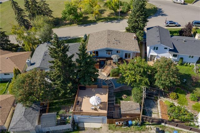 1332 Northcote Road NW, Calgary, AB T2K 2K8 (#C4210095) :: Tonkinson Real Estate Team