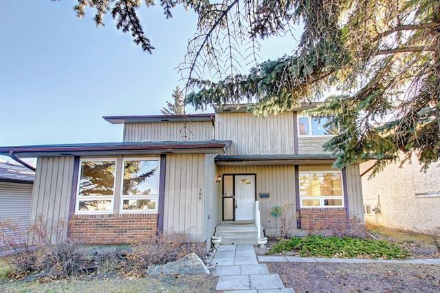 199 Range Crescent NW, Calgary, AB T3G 1P5 (#C4210232) :: Calgary Homefinders