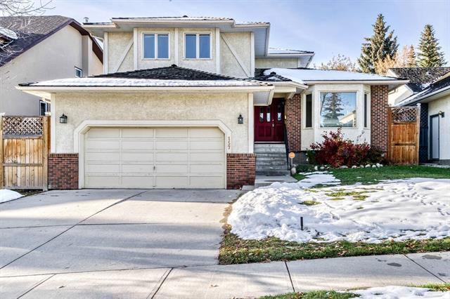 157 Strathcona Road SW, Calgary, AB T3H 1X9 (#C4210335) :: Calgary Homefinders