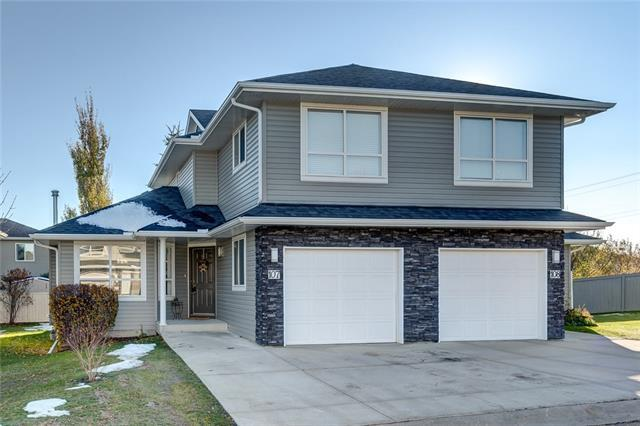55 Fairways Drive NW #107, Airdrie, AB T4B 2T5 (#C4210345) :: Your Calgary Real Estate