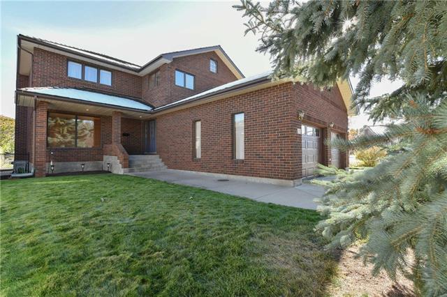 7 Pine Court NE, Medicine Hat, AB T1C 1R3 (#C4210409) :: Your Calgary Real Estate
