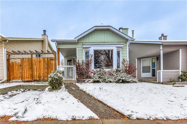342 Castleridge Drive NE, Calgary, AB T3J 3C4 (#C4210431) :: Tonkinson Real Estate Team