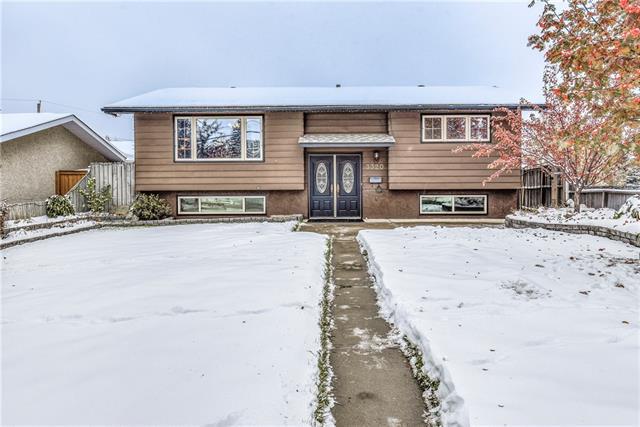 3320 77 Street NW, Calgary, AB T3B 2Y3 (#C4210557) :: Redline Real Estate Group Inc