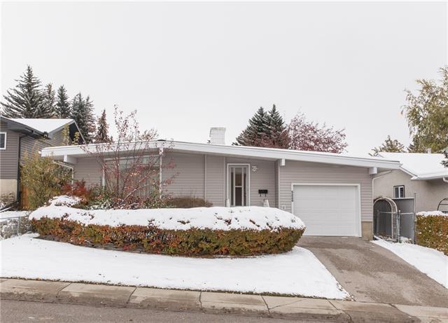 5220 33 Street NW, Calgary, AB T2L 1V4 (#C4210686) :: The Cliff Stevenson Group