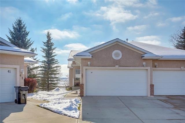37 Harvest Grove Green NE, Calgary, AB T3K 4W5 (#C4210820) :: Your Calgary Real Estate