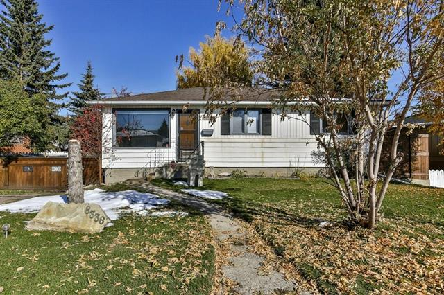 8336 Bowness Road NW, Calgary, AB T3B 0H6 (#C4210838) :: Your Calgary Real Estate