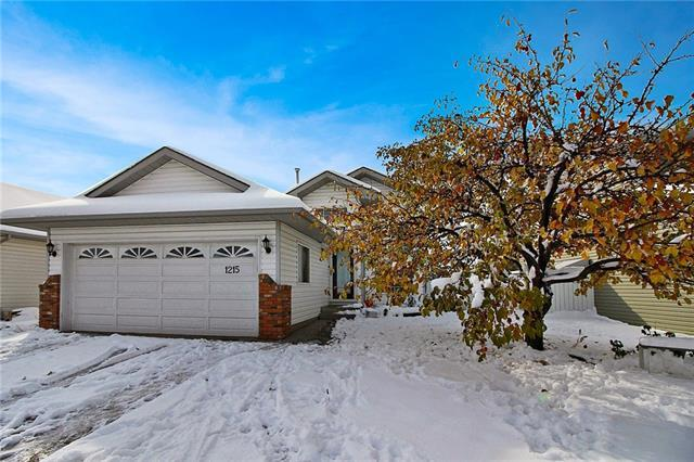 1215 Thornburn Drive SE, Airdrie, AB T4A 2A5 (#C4210992) :: Your Calgary Real Estate