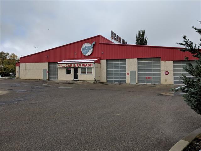 4515 52 Avenue, Red Deer, AB T4N 7A5 (#C4211076) :: Calgary Homefinders