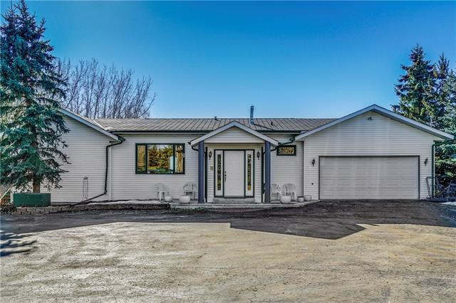 25049 Twp Rd 254, Rural Rocky View County, AB T3R 1A2 (#C4211321) :: Calgary Homefinders