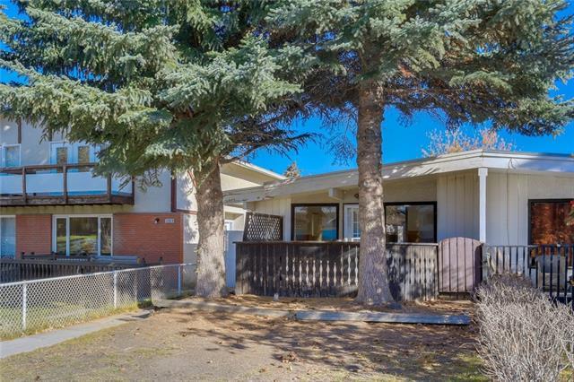 2026 39 Street SE, Calgary, AB T2B 1A5 (#C4211346) :: Calgary Homefinders
