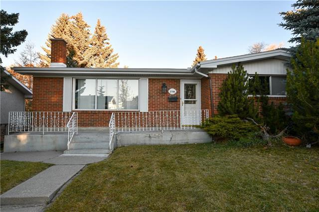 2708 Crawford Road NW, Calgary, AB T2L 1E1 (#C4211364) :: Canmore & Banff