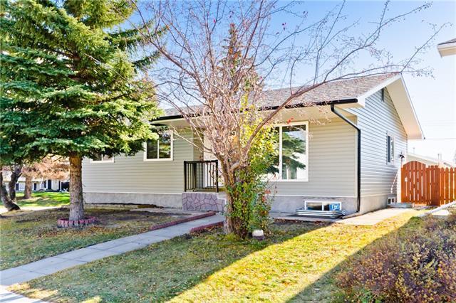 427 Penworth Rise SE, Calgary, AB T2A 4E1 (#C4211444) :: Calgary Homefinders