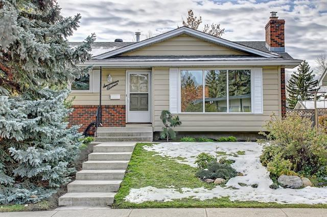 1711 111 Avenue SW, Calgary, AB T2W 1R6 (#C4213473) :: Your Calgary Real Estate