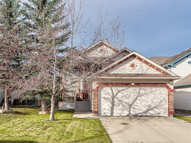 130 Somerglen Close SW, Calgary, AB T2Y 3Z5 (#C4213570) :: Your Calgary Real Estate