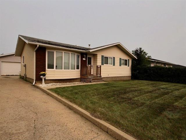121 Simcoe Way, Fort Mcmurray, AB T9H 3B4 (#C4213603) :: Calgary Homefinders