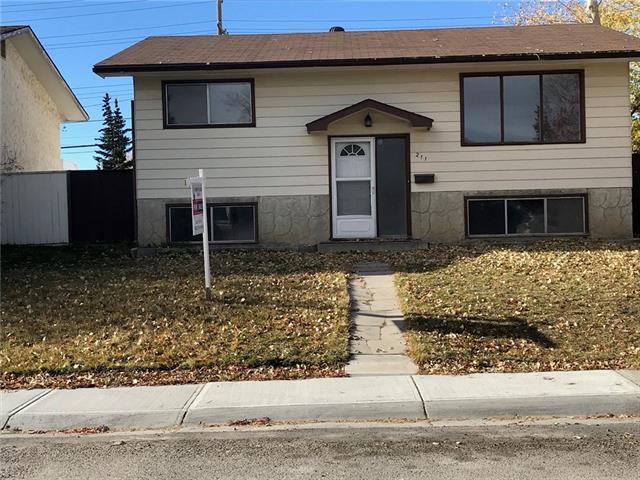 211 Penbrooke Way SE, Calgary, AB T2A 3S7 (#C4213828) :: Tonkinson Real Estate Team