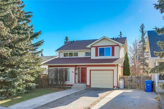 31 Strathclair Rise SW, Calgary, AB T3H 1G3 (#C4213947) :: Tonkinson Real Estate Team