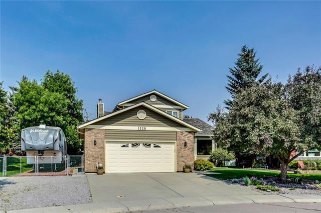 1120 Deer River Circle SE, Calgary, AB T2J 7A3 (#C4214053) :: Tonkinson Real Estate Team