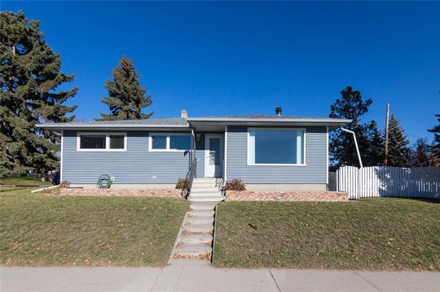 4532 46 Avenue SW, Calgary, AB T3E 1H9 (#C4214151) :: Twin Lane Real Estate