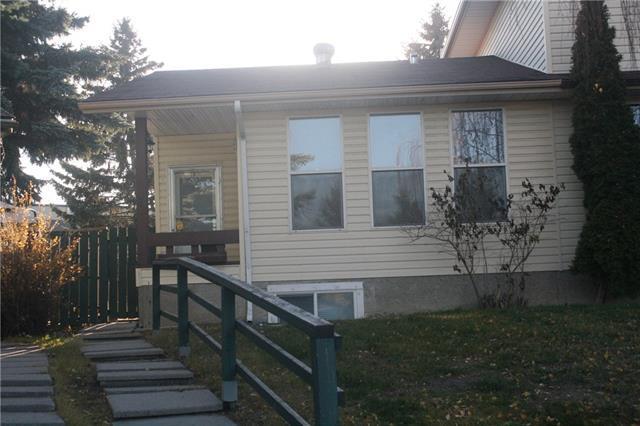 23 Berkley Court NW, Calgary, AB T3K 1B7 (#C4214267) :: Tonkinson Real Estate Team
