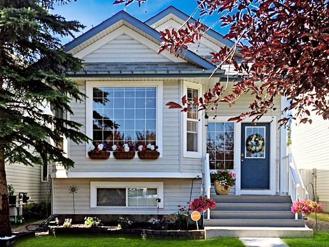 111 Country Hills Drive NW, Calgary, AB T3K 4X2 (#C4214294) :: Calgary Homefinders