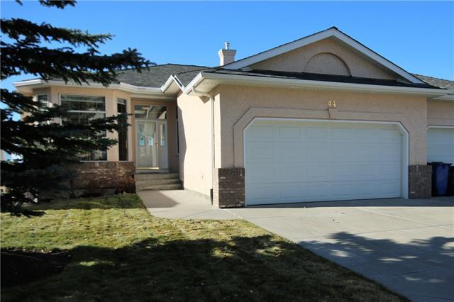 44 Eagleview Way, Cochrane, AB T4C 1P6 (#C4214502) :: Calgary Homefinders
