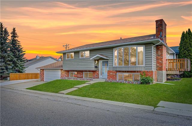360 Bermuda Drive NW, Calgary, AB T3K 1Z1 (#C4214572) :: Tonkinson Real Estate Team