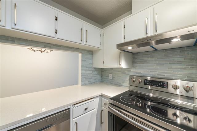 4001B 49 Street NW #2207, Calgary, AB T3A 2C9 (#C4214614) :: Your Calgary Real Estate