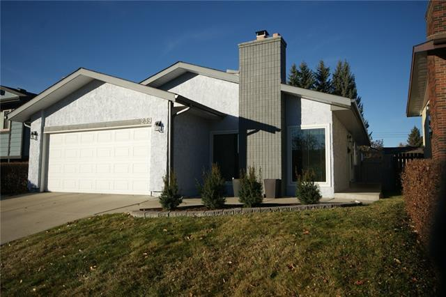 239 Cedarpark Drive SW, Calgary, AB T2W 2J5 (#C4214616) :: Calgary Homefinders