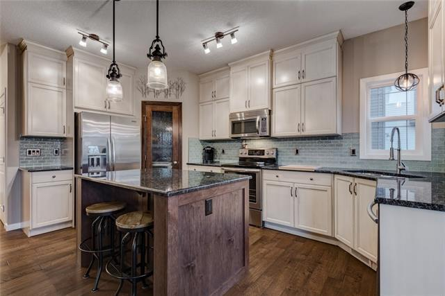 1092 Hillcrest Lane SW, Airdrie, AB T4B 3R6 (#C4214638) :: Calgary Homefinders