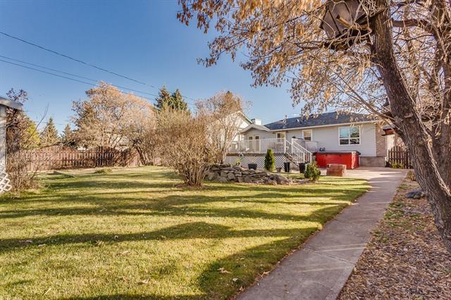 404 Centre Avenue NE, Airdrie, AB T4B 1H4 (#C4214732) :: Your Calgary Real Estate