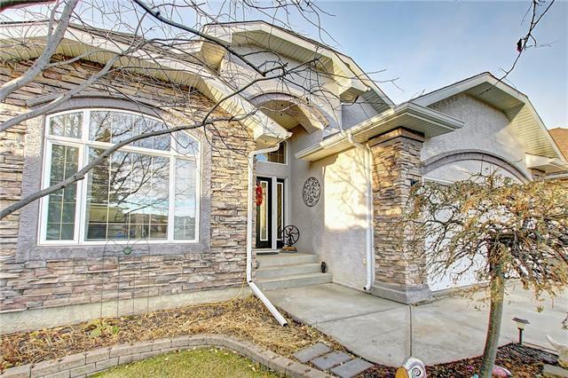 325 Gleneagles View, Cochrane, AB T4C 1P4 (#C4214737) :: Calgary Homefinders