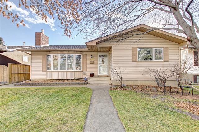200 Rundlewood Close NE, Calgary, AB T1Y 2P3 (#C4214748) :: Your Calgary Real Estate