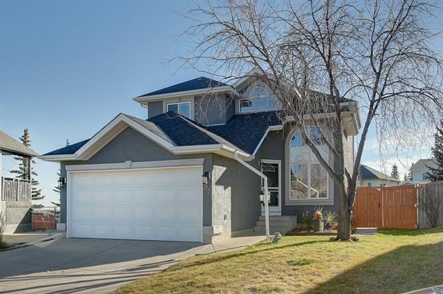 97 Somercrest Circle SW, Calgary, AB T2Y 3H2 (#C4214761) :: Calgary Homefinders