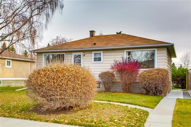 2724 18 Street NW, Calgary, AB T2M 3T8 (#C4214769) :: Canmore & Banff