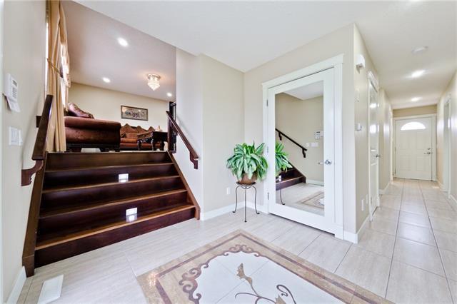 748 Rundleridge Drive NE, Calgary, AB T1Y 2N2 (#C4214892) :: Your Calgary Real Estate