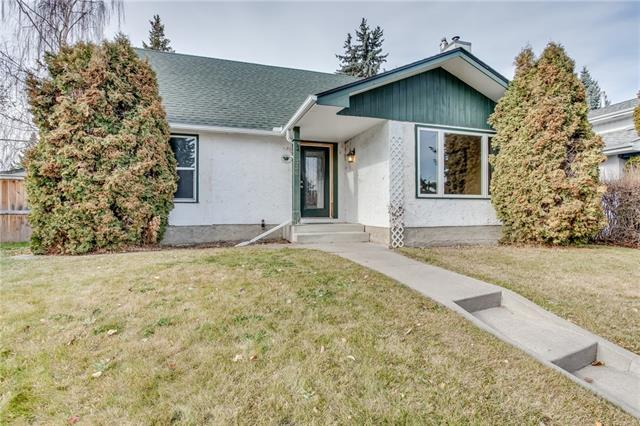 336 Cedarbrae Crescent SW, Calgary, AB T2W 1Y4 (#C4214922) :: Calgary Homefinders