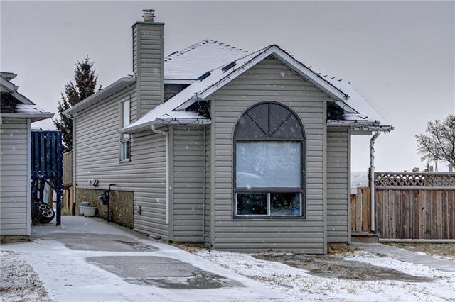 23 Hunterhorn Crescent NE, Calgary, AB T2K 6J4 (#C4214961) :: Canmore & Banff